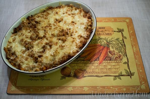 Köttfärs och strimlad vitkål i ugn