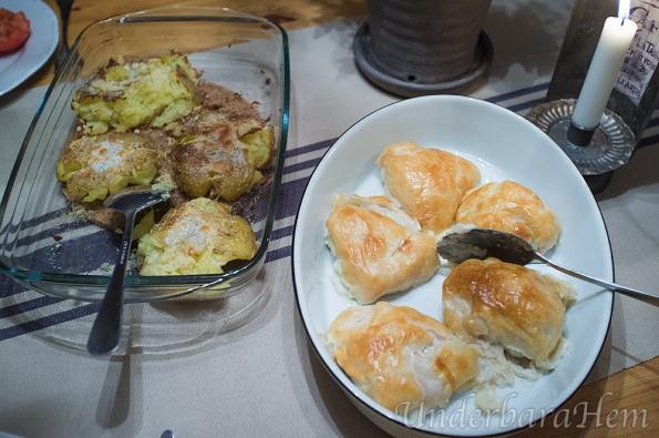 Ädelost inbakad kycklingfilé med basilikasås och kraschad potatis!