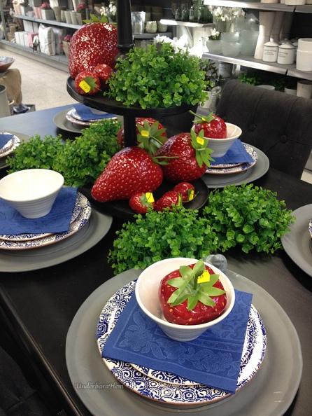 Jordgubbar-på-bord-maj