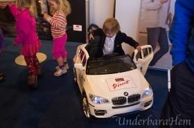 Millian-testar-en-BMW-på-Åhaga