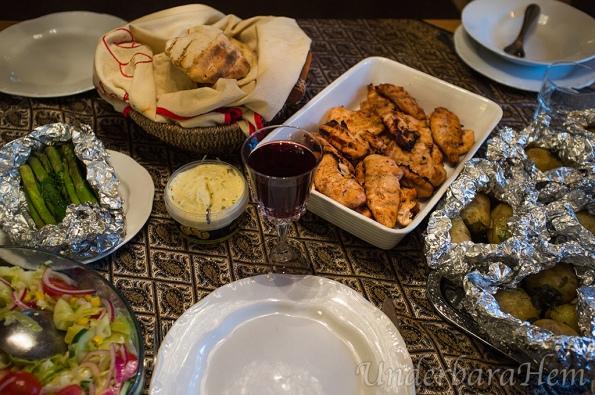 Marinerad-kycklinginnerfilé-foliebakad-pot-och-bröd