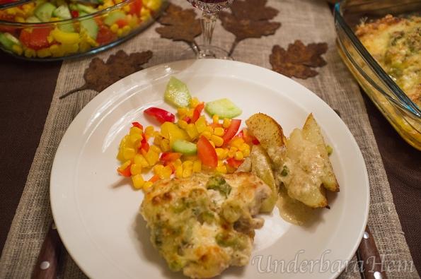 Kycklinggratäng-med-grön-chili-vitlök-och-parmesan-på-tallrik