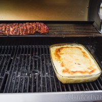 Nu blev det grillad hel fläskytterfilé, med potatisgratäng lagad på grillen!